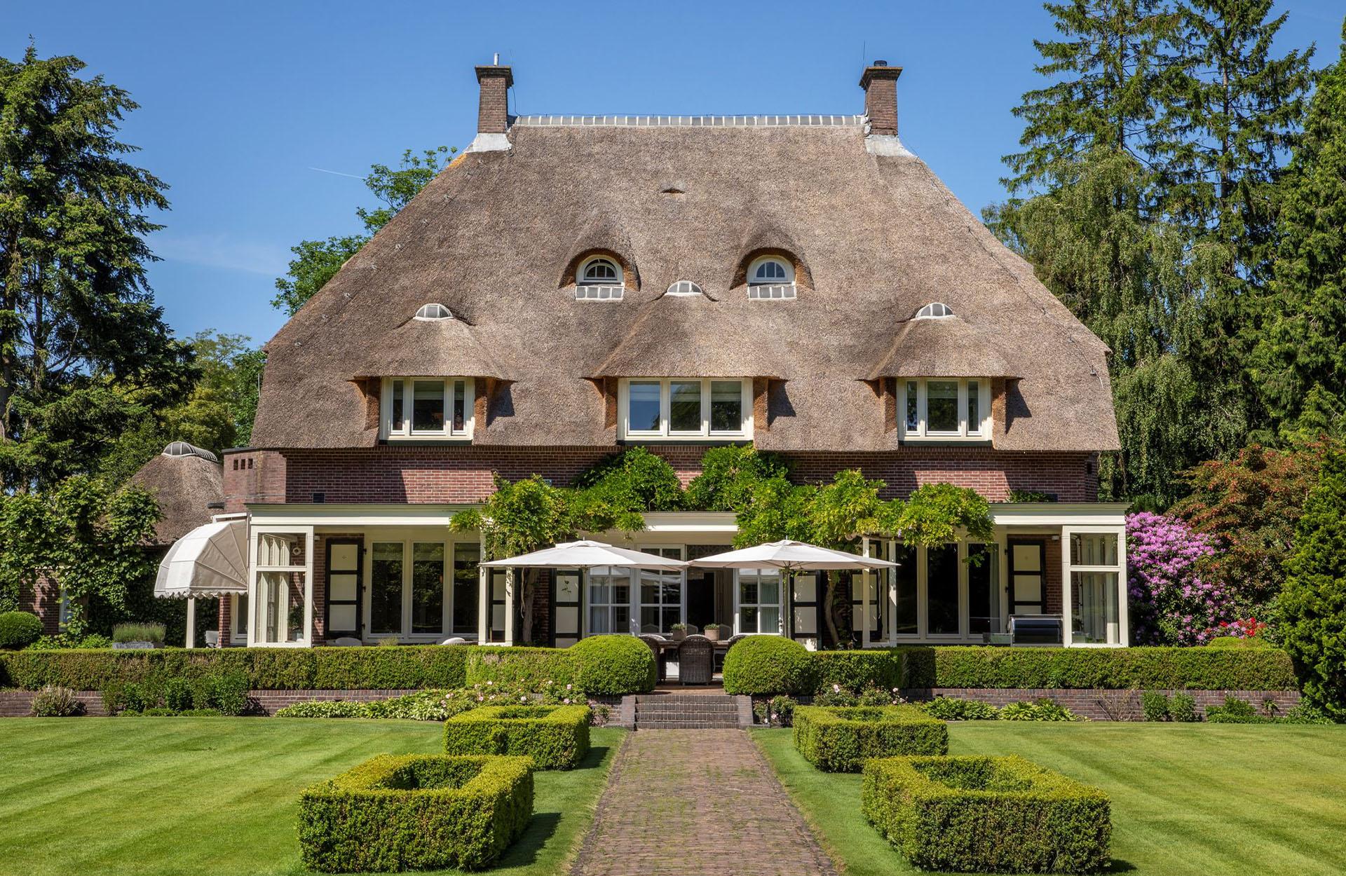 Luxe Villa Laren